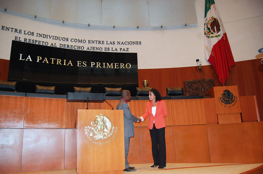 Ghislain visits mexican Senate